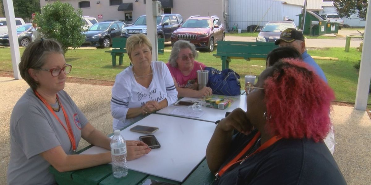 Prison family support group rallies in Leakesville