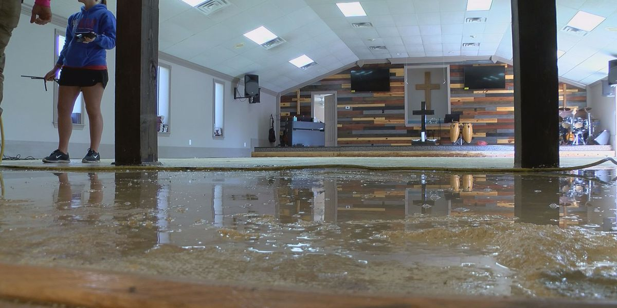 Gulfport church cleans up after Saturday's floods