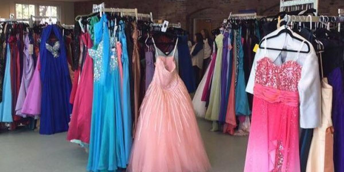 THIS WEEKEND: Prom closet open to Coast teens looking for the perfect dress
