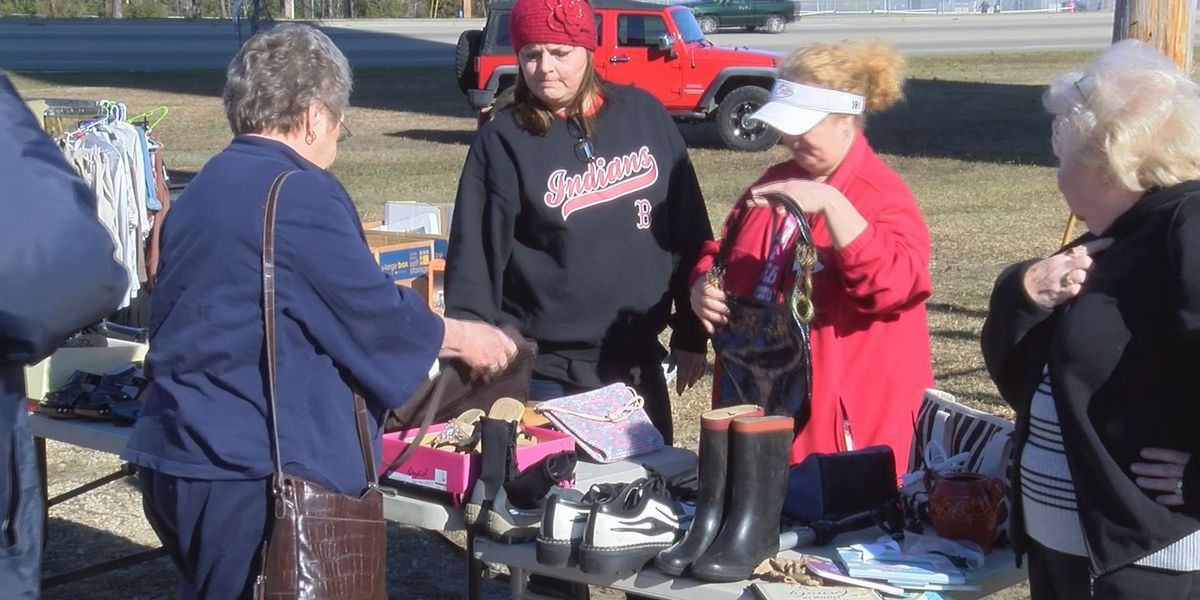 Biloxi High School baseball team hosts yard sale