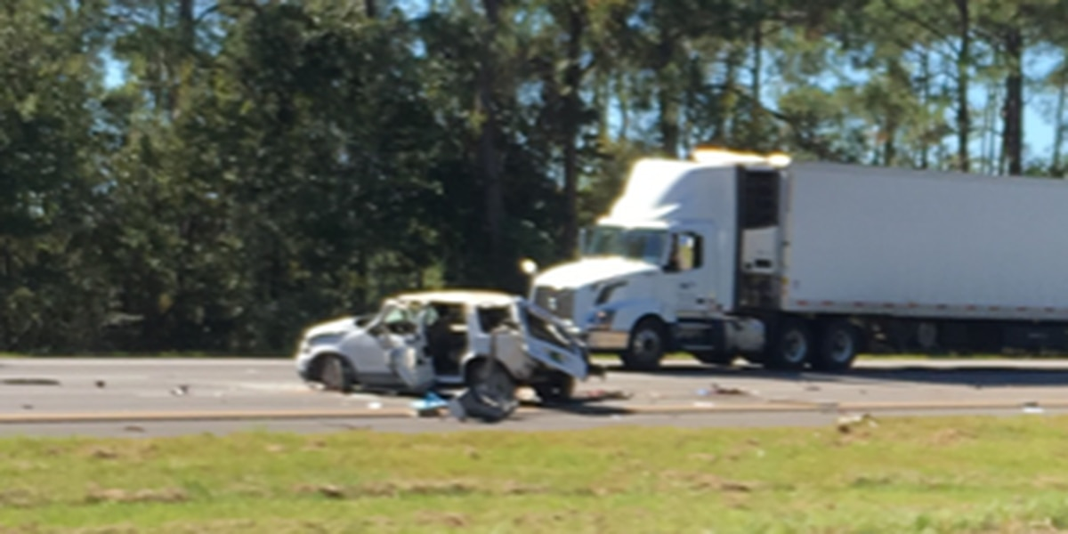 Victim identified in Jackson County wreck on I-10