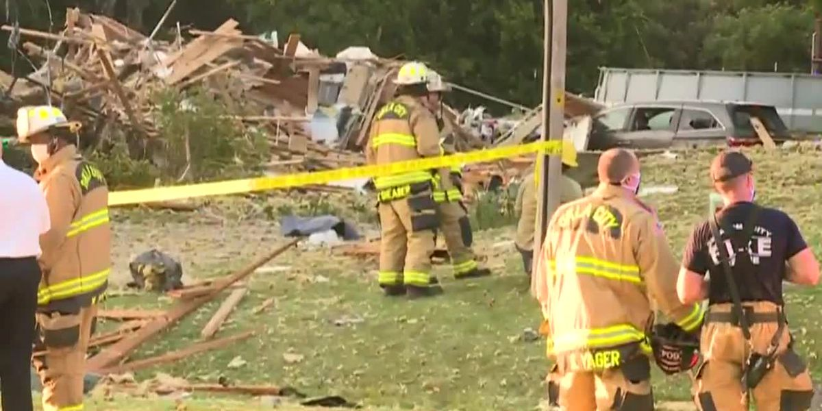 Wreckage left after deadly home explosion in Oklahoma City (no sound)