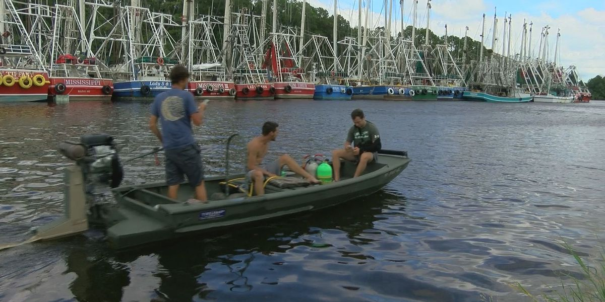 Cajun Navy on the job for evacuated shrimpers