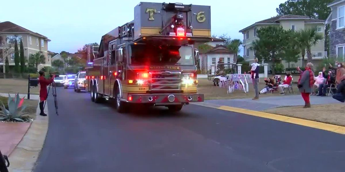 Community welcomes teenager with leukemia home with Christmas parade