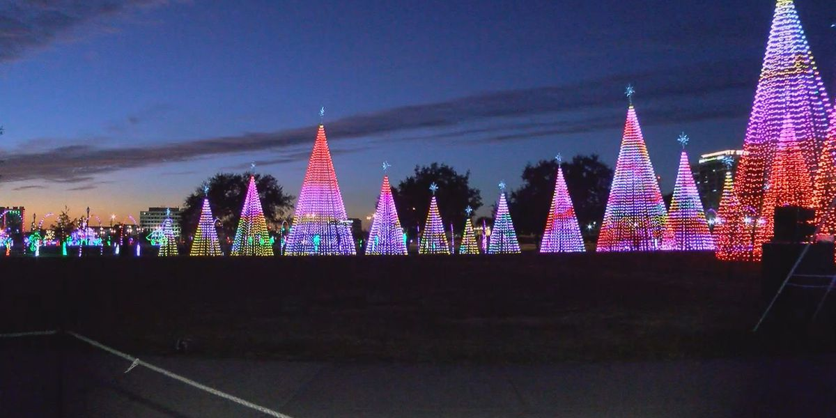 Workers busy preparing for Gulfport Harbor Lights Winter Festival
