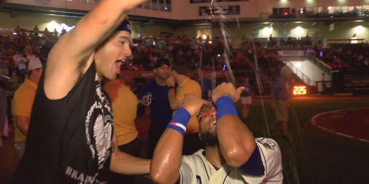 CHAMPIONS! Brown's one-hit complete performance leads Shuckers to division title