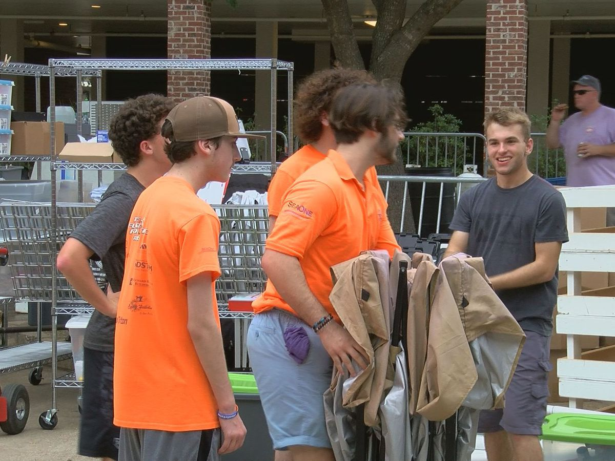 Gulfport High robotics team gives back to community at seafood festival