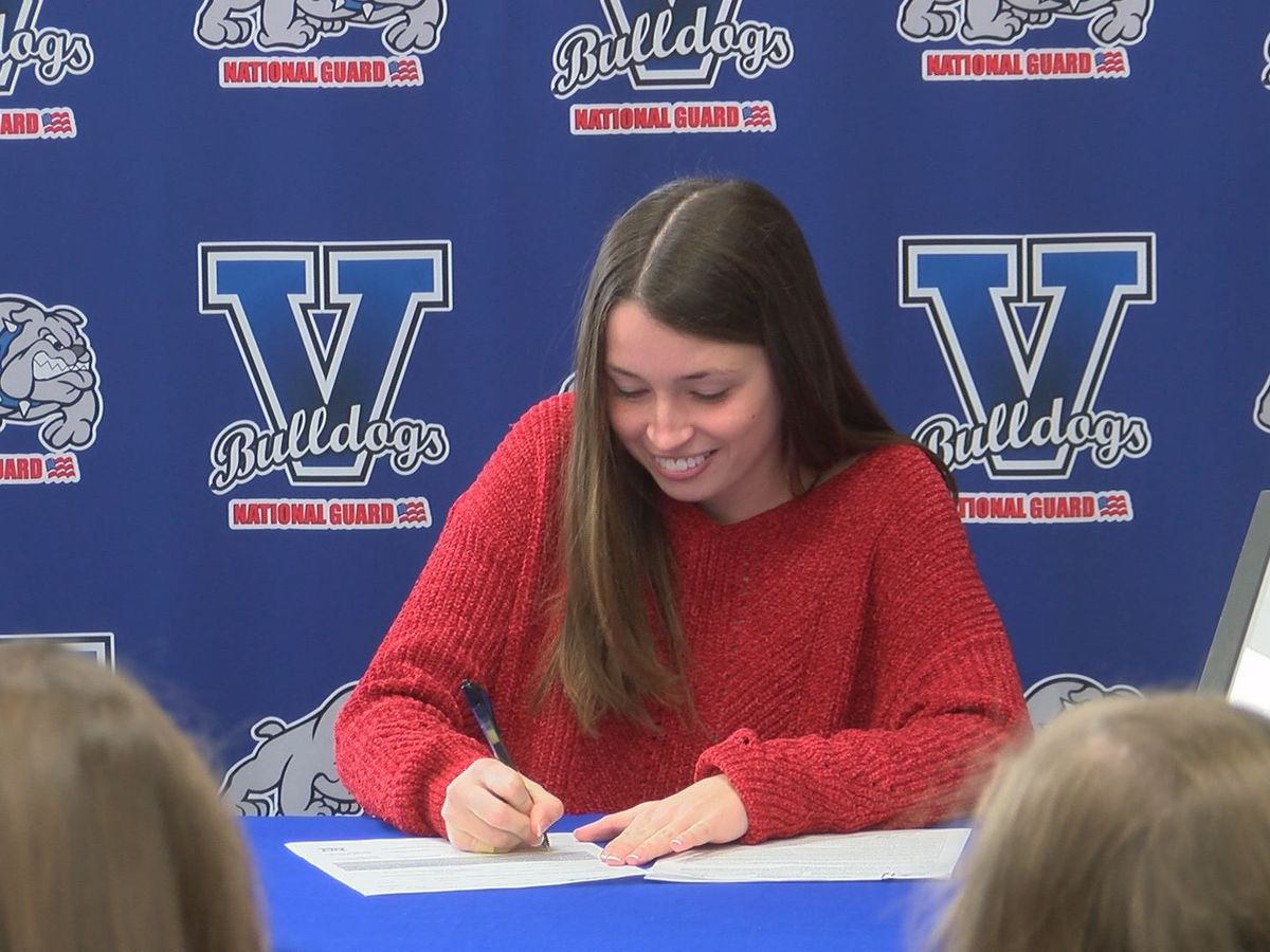 Sydney Salter signs with South Alabama Soccer