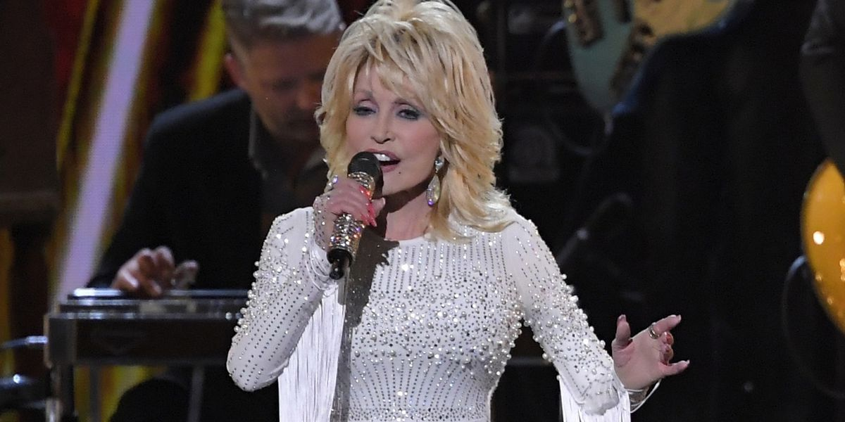 Lawmaker wants Dolly Parton statue at Tennessee Capitol