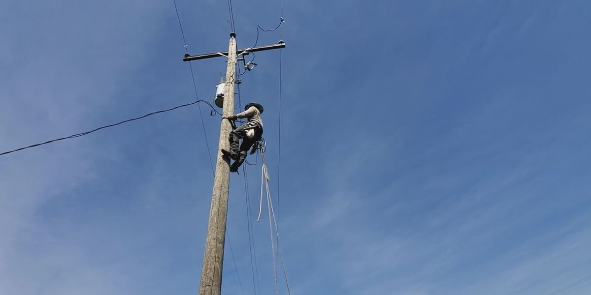 Apprentice linemen at Mississippi Power receive training in advanced skills