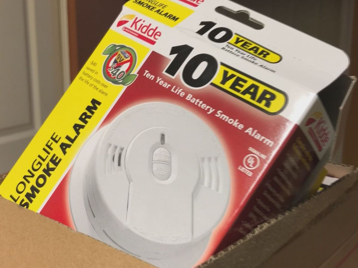 American Red Cross installs free smoke alarms in Biloxi
