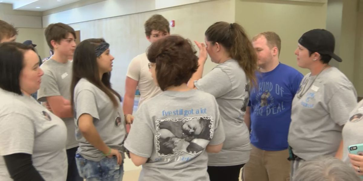 Fundraiser for paralyzed teen brings overwhelming support