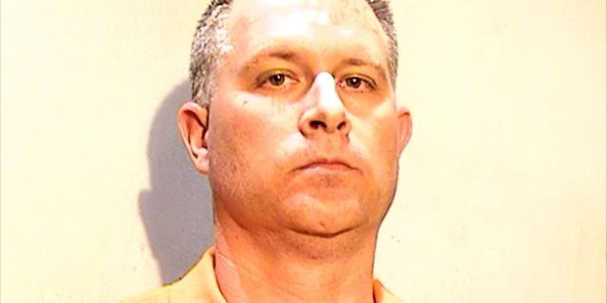 FBI: Springfield Local Schools employee attempted to meet 8-year-old girl at hotel for sex