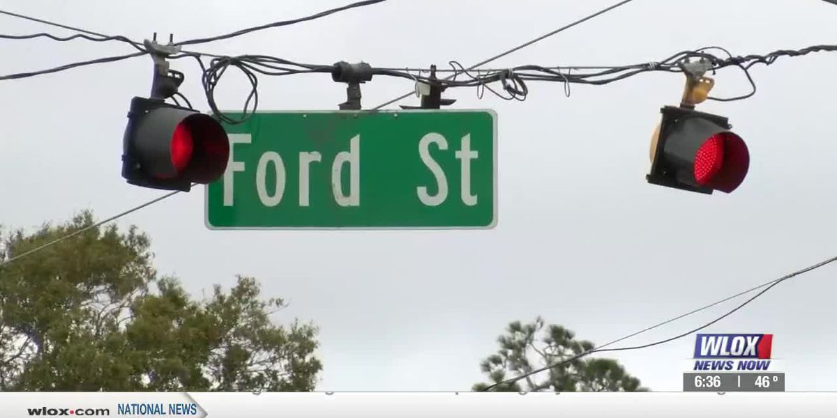 Traffic lights soon coming to intersections still doing without