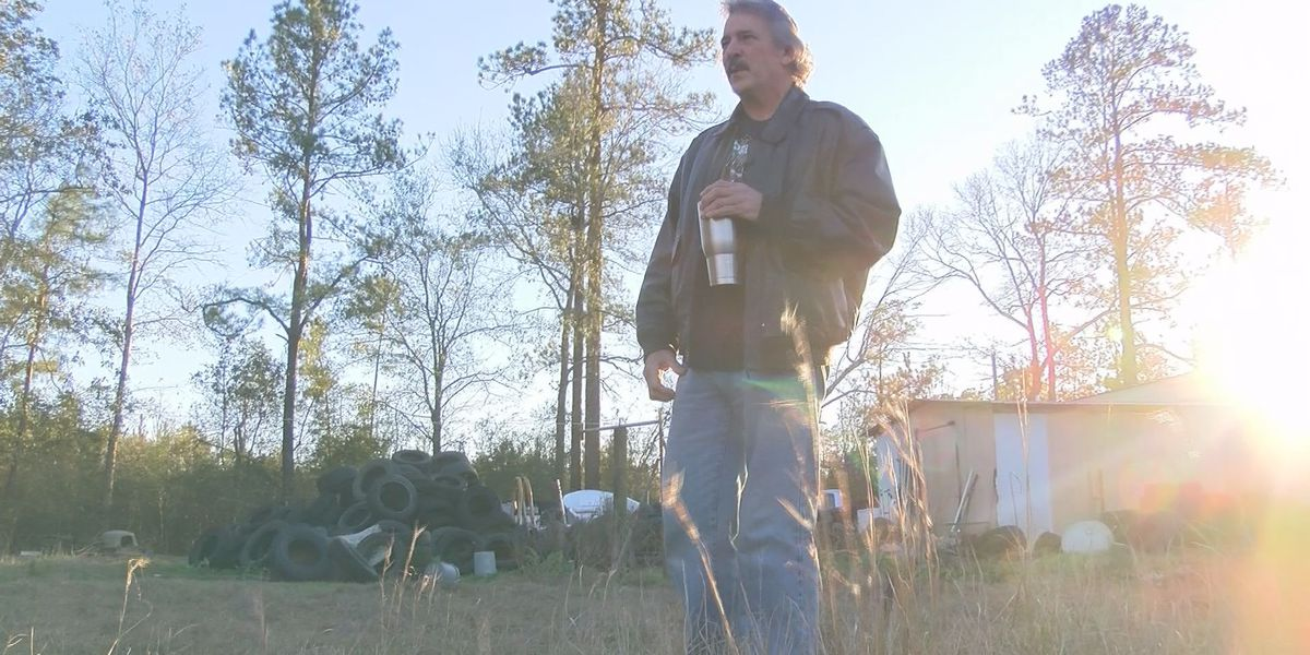 VIDEO: Hancock Co. man finds one dead dog, rescues 3 that are starving