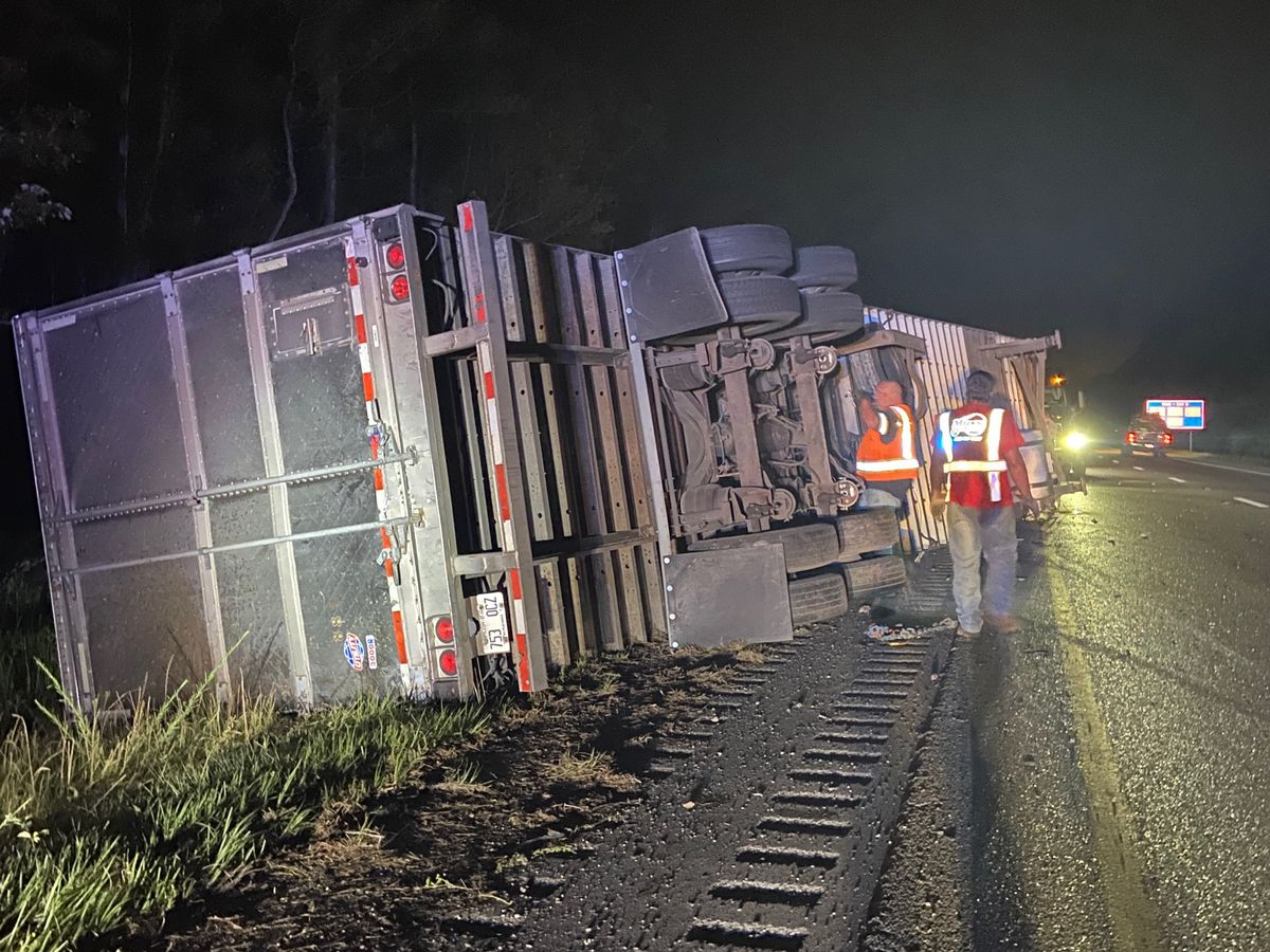 Semi-truck hauling flowers overturns on I-10 in Hancock County