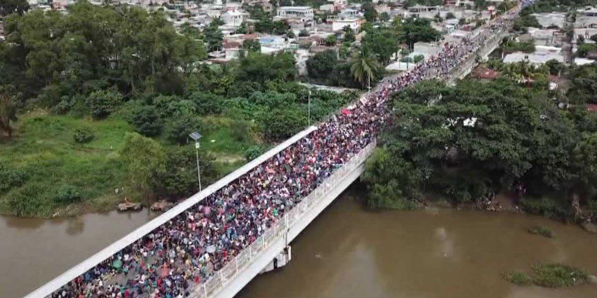 US appeals court won't immediately allow Trump asylum ban