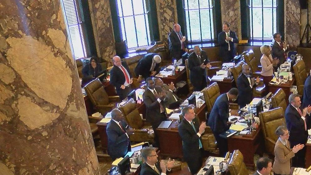 Mississippi Senate unanimously approves teacher pay raise bill