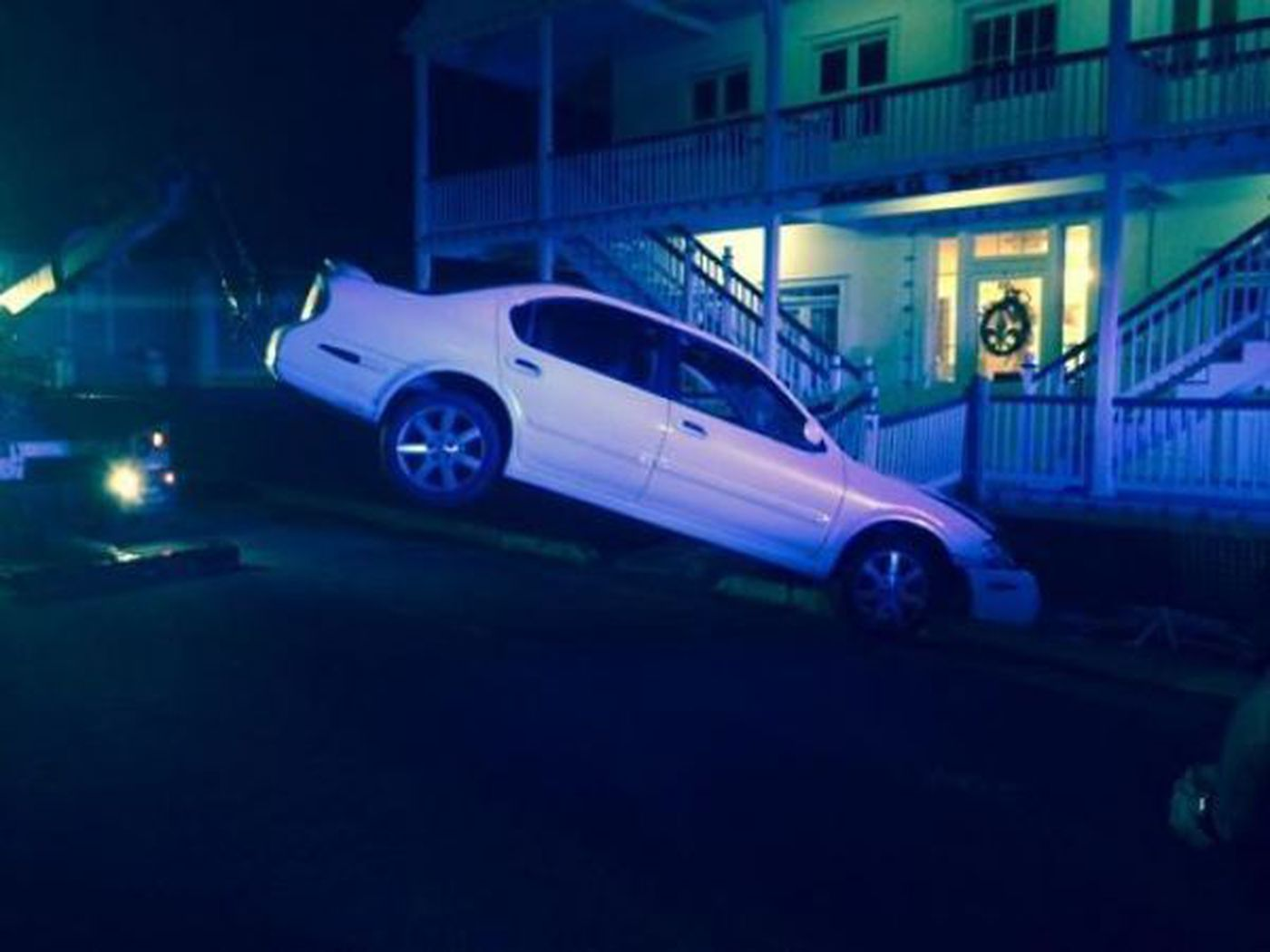 Car rams into Magnolia Hotel