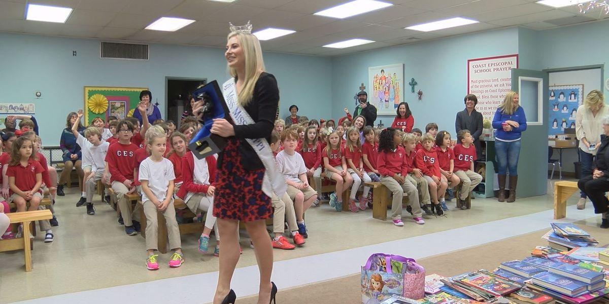 Miss Mississippi visits Coast with 'Pages of Love'