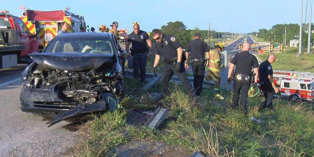 4 survive guard rail accident on I-10 in Gulfport
