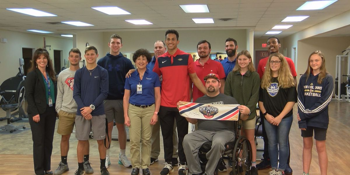 Pelicans rookie shares story of perseverance with Diamondhead physical therapy patients