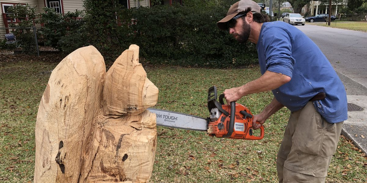 Chainsaw carver turning wood into art