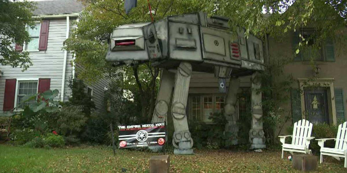Family puts huge 'Star Wars' Halloween display in front yard