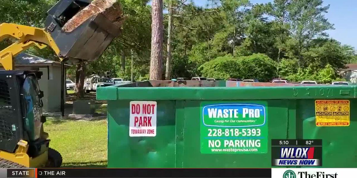 Volunteers pick up 8 tons of garbage from Pascagoula River
