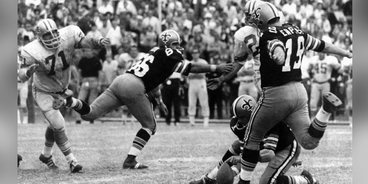 Legendary Saints Kicker Tom Dempsey Dies After Contracting Coronavirus class=
