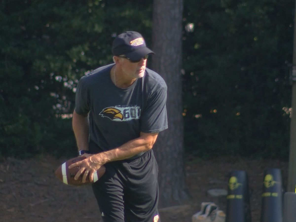 Tim Billings to lead Golden Eagles against Liberty