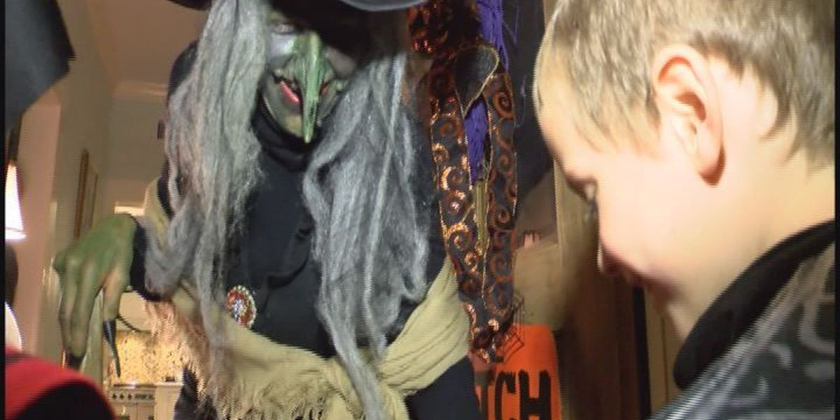 2 Pascagoula homes stand out each Halloween
