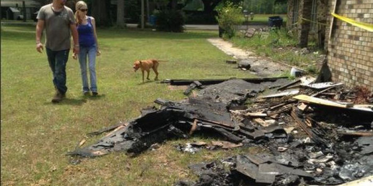 Family of 6 loses everything in Wade house fire