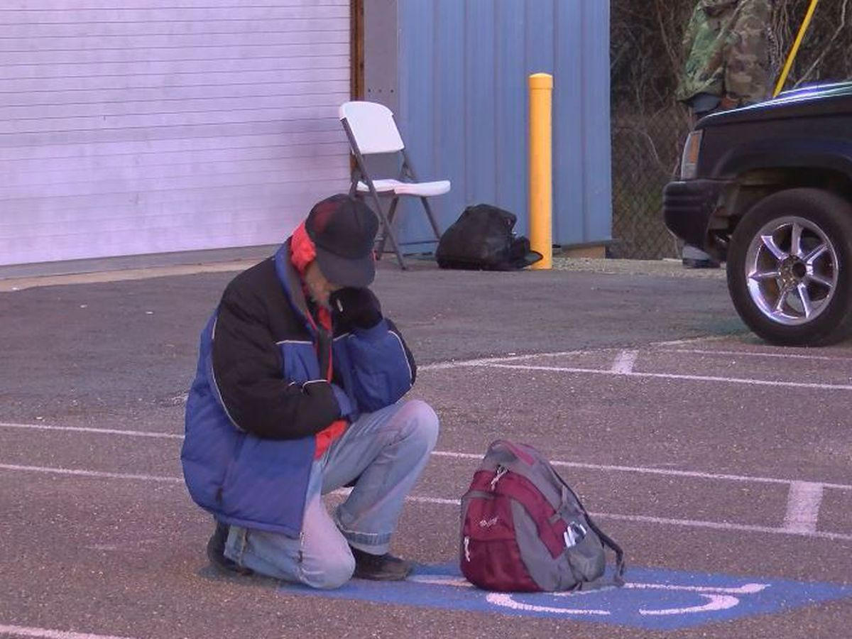 Lack of volunteers put D'Iberville cold-weather shelter in 'critical crisis moment'