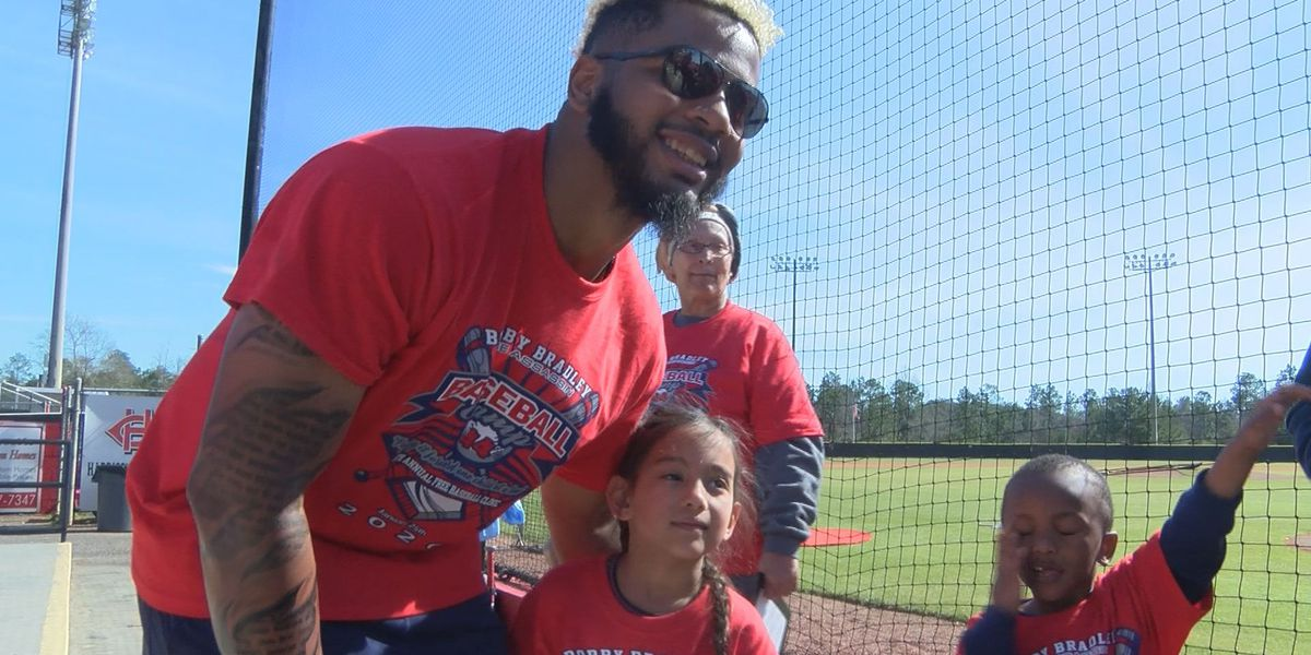 Bobby Bradley hosts fifth annual baseball camp at Harrison Central