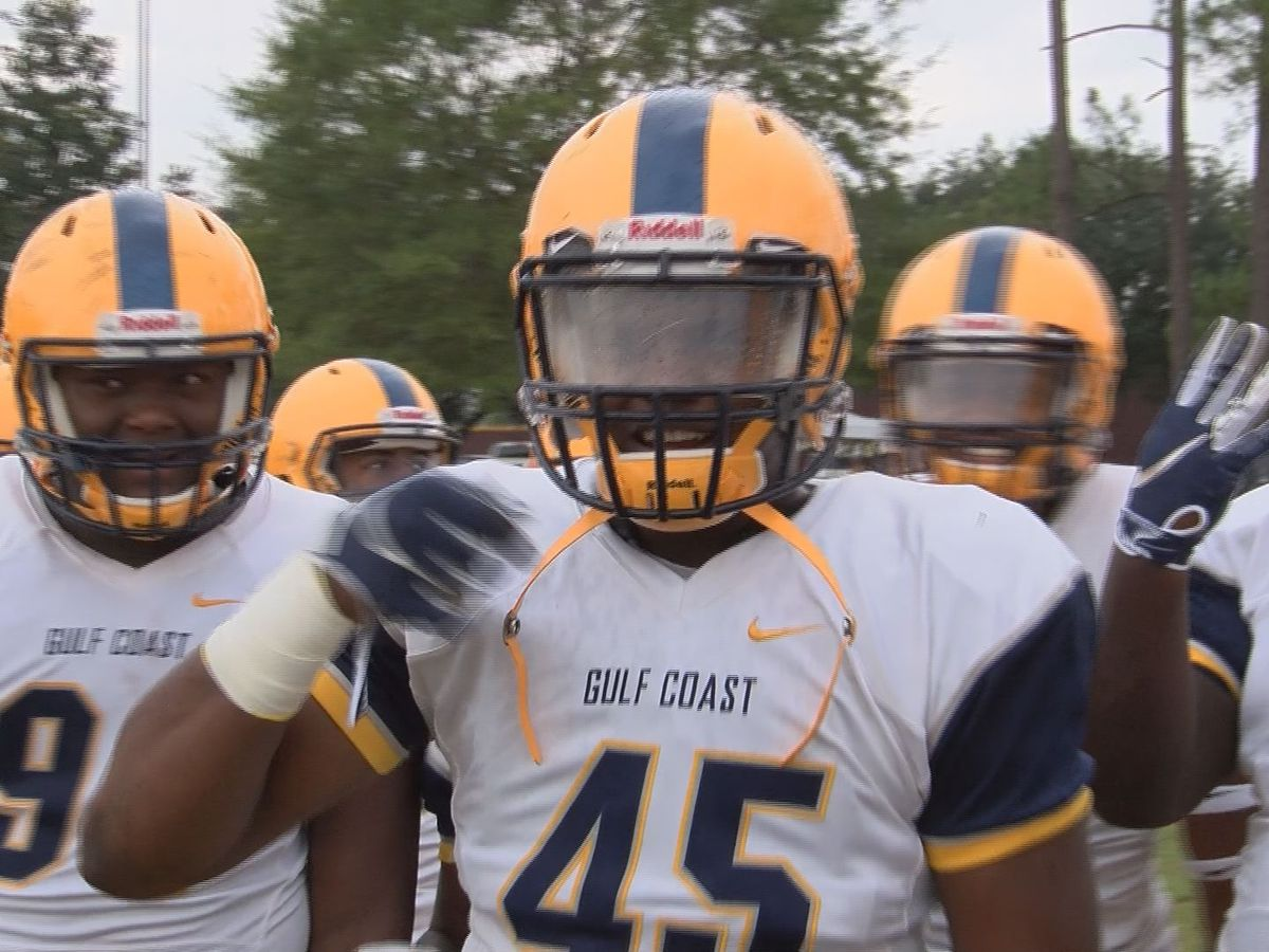 Gulf Coast pounds archrival Pearl River 30-7