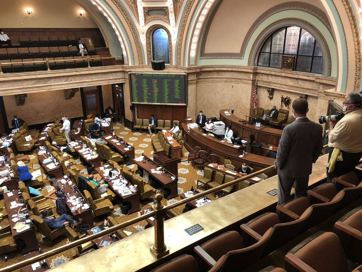 Miss. Legislature votes to override governor's veto of education budget