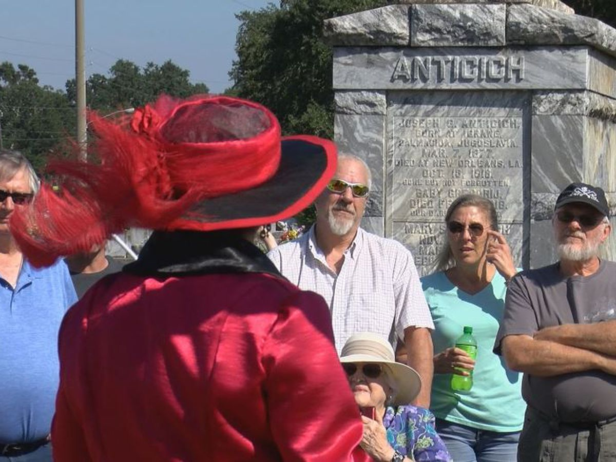 Biloxi cemetery tour features city's colorful past