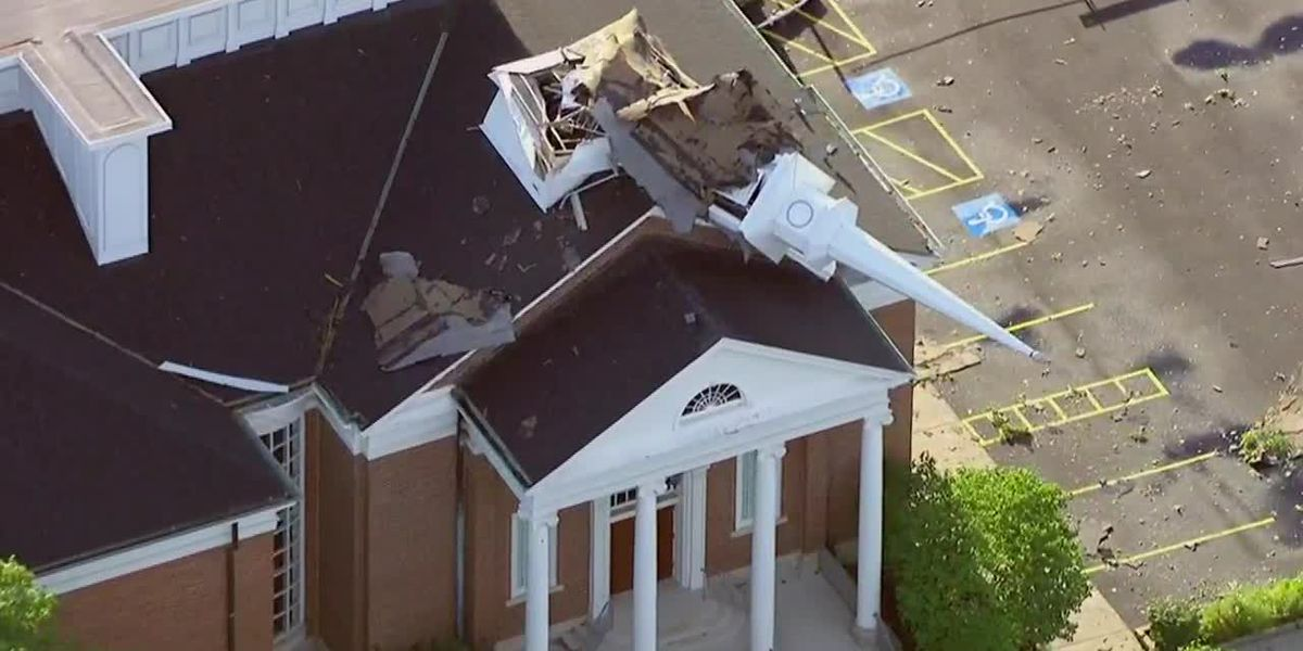 Storms leave widespread damage in Chicago-area