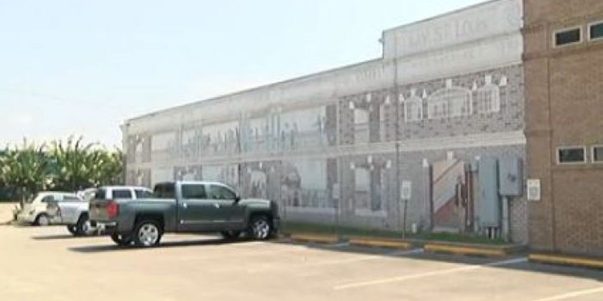 Organization to pay for Bay St. Louis mural restoration