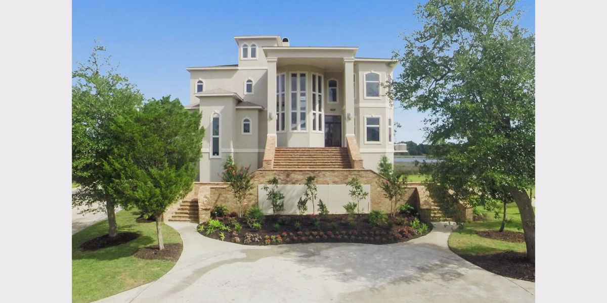 What can a multi-millionare buy? This Ocean Springs home