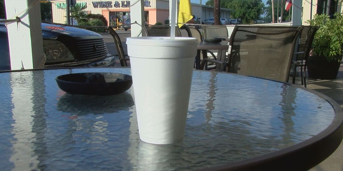 Long Beach takes step towards allowing to-go cups