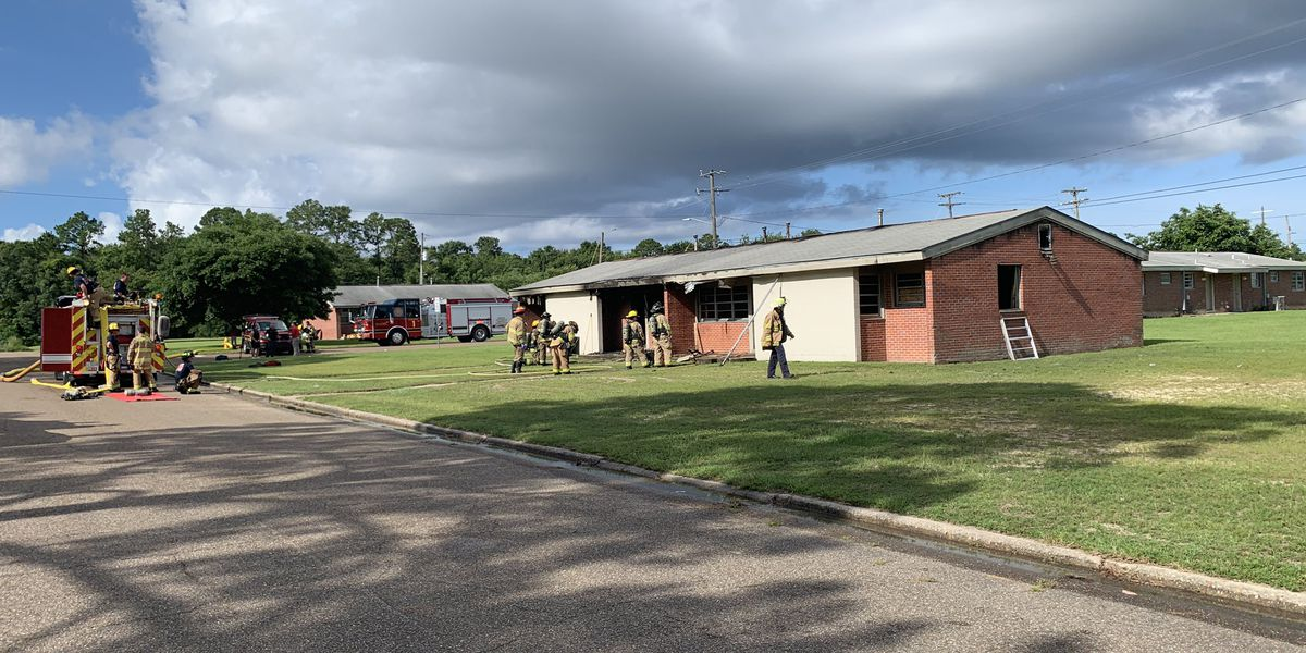 Firefighters put out flames at vacant house in Gulfport