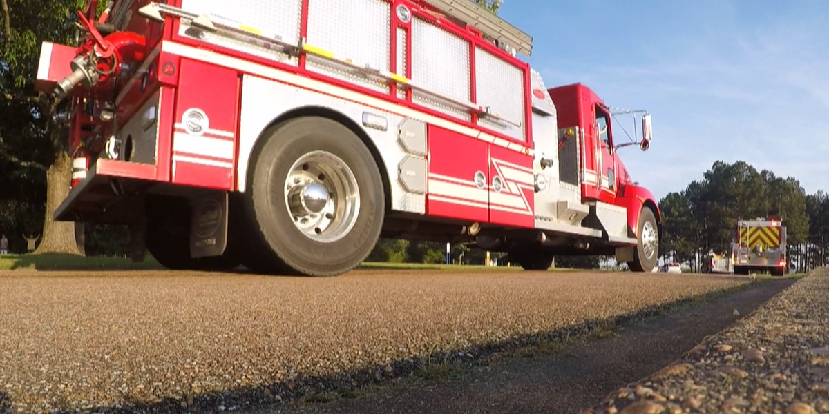 Rankin County first responders pay tribute to medical community