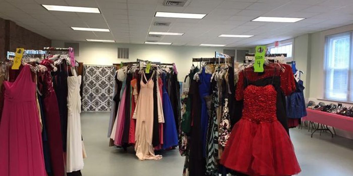 Teens say yes to the dress at annual Homecoming Closet
