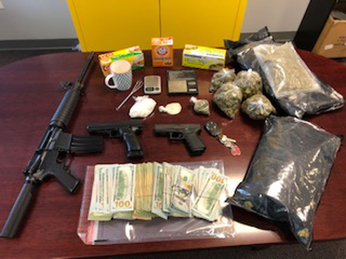 Sheriff: Convicted felon arrested after drugs, guns found in Biloxi home