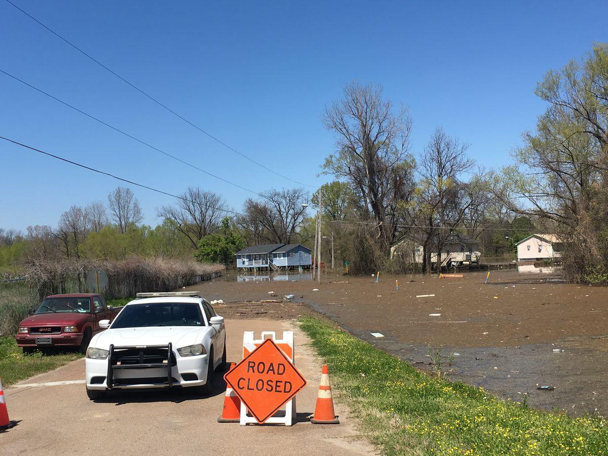 Government Agencies Brief Vicksburg Mayor On Flood Status