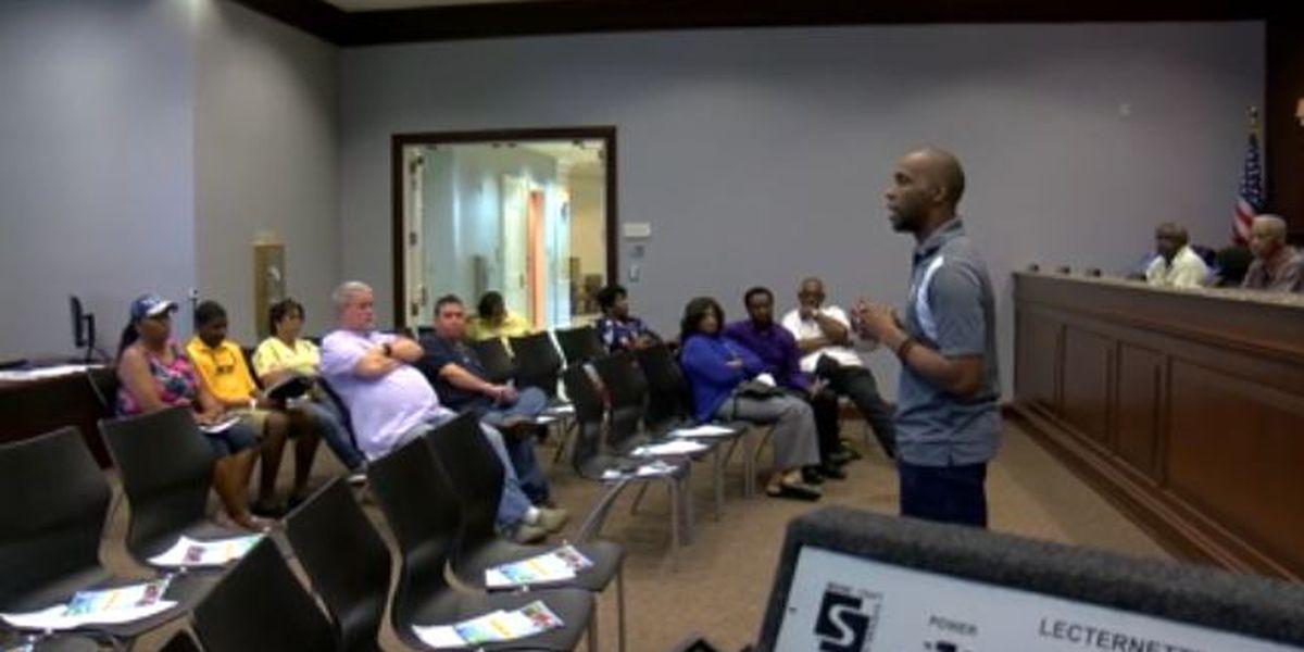 Moss Point residents, city officials meet to discuss 2% restaurant tax