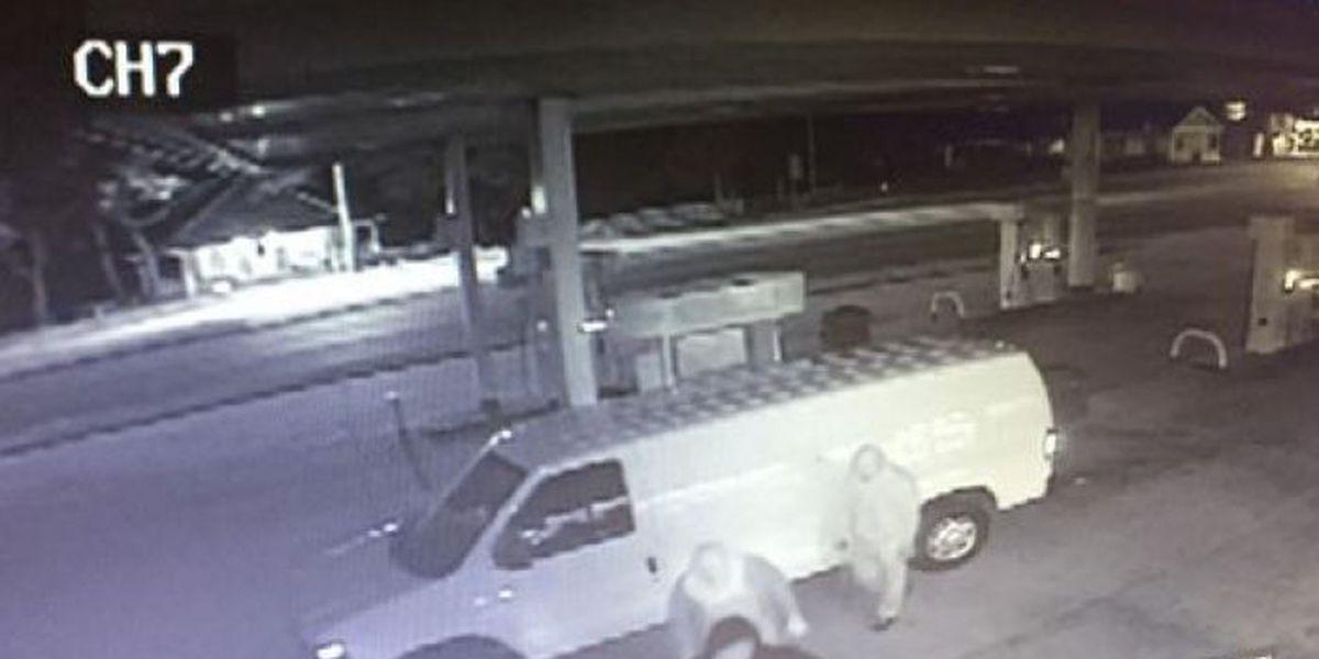 3 suspects accused of burglarizing 2 businesses just minutes apart