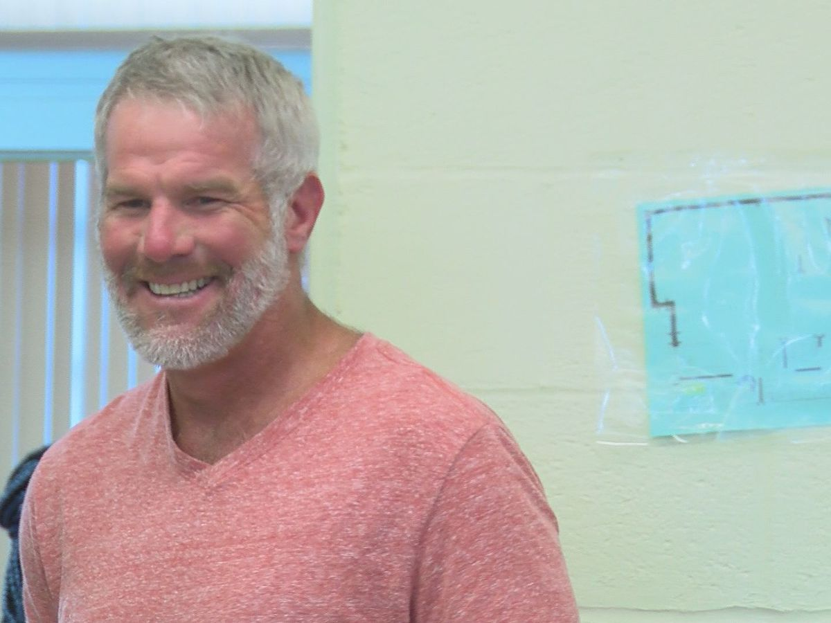 Brett Favre named in Miss. DHS audit report